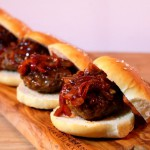 Broodje hamburger met extra lekkere saus
