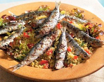 Marokkaanse couscoussalade met sardines