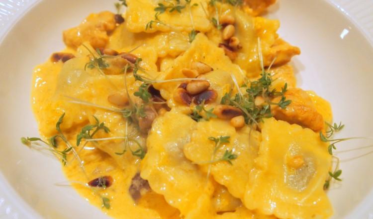 Ravioli met sinaasappel en kip
