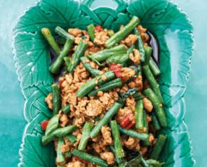 Roerbak-kip met basilicum