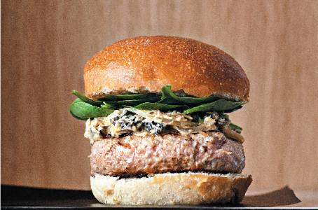 Hamburger 21 Funghi en kalfsgehakt