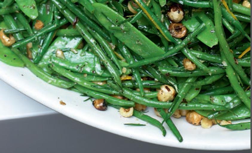 Groene bonensalade met hazelnoten