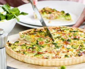 Quiche met broccoli en Parmaham