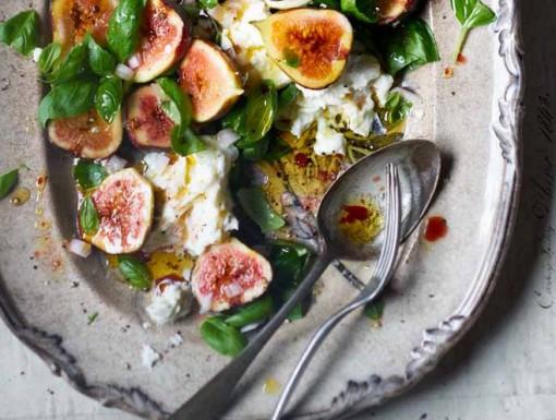 Recept: Verse vijgen met mozzarella en basilicum