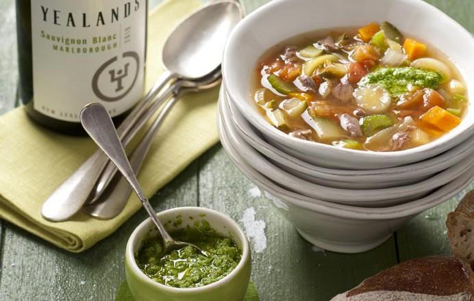 Tomaten-maaltijdsoep met pistou