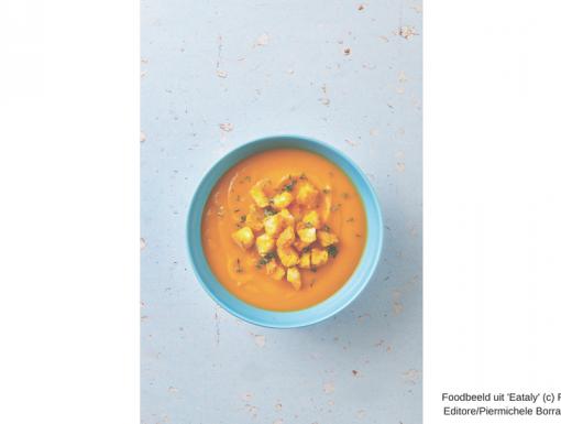Pompoensoep met saffraan-croutons
