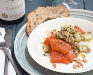 Komkommer-lintensalade met vis en garnalen