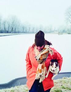Yvette van Boven in de sneeuw