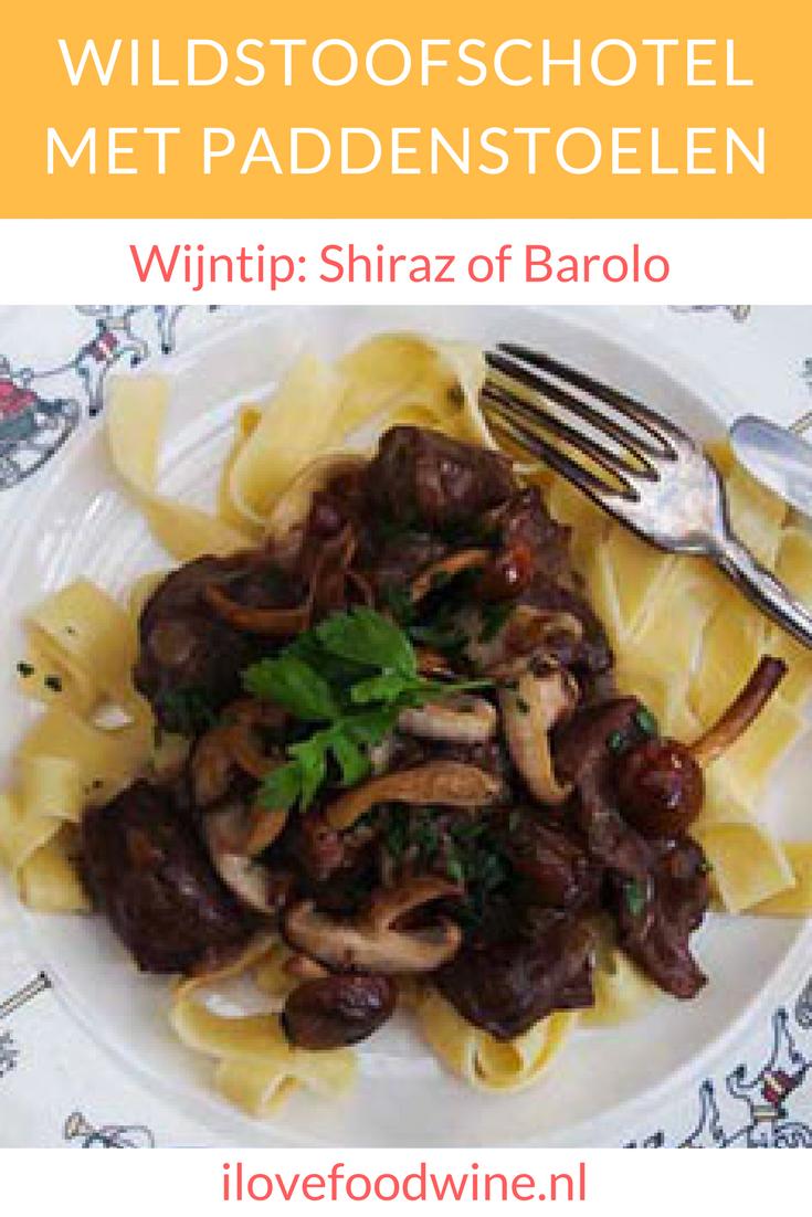 Wildgerecht, wildstoof (hert, haas, wildzwijn) met een Italiaans tintje. Helemaal van te voren te bereiden (en bijvoorbeeld in te vriezen). We serveren er altijd verse pasta bij #wildstoof #wildstoofpot #wildstoofschotel