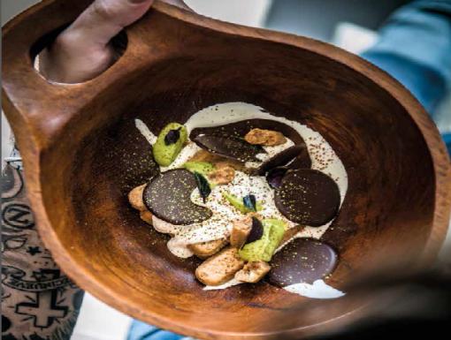 Tiramisu met avocado en matcha (groene thee) uit het kookboek Just Cook It van Sergio Herman