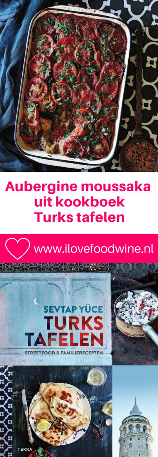 Vegetarische Aubergine-moussaka uit Turkije - Patlicanli Musakka. Serveer deze makkelijke en snelle ovenschotel met aubergine, verse tomaat en tomatenpurree als avondmaaltijd met salade en brood. De volgende dag smaakt het zo mogelijk nog lekkerder. #moussaka #meatlessmonday #ovenschotel