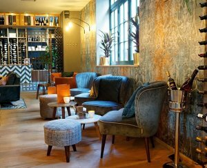 Wijnbar SHIRAZ Lounge zitjes