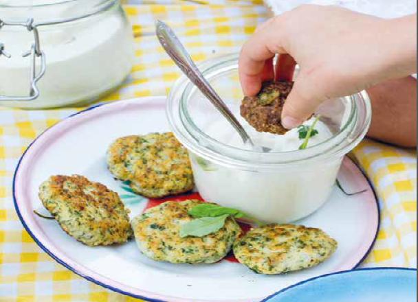 viskoekjes met yoghurtdip