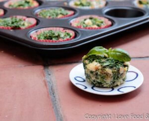 Muffins met spinazie en forel eruit