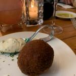 Bitterbal van asperges van Café Sjiek