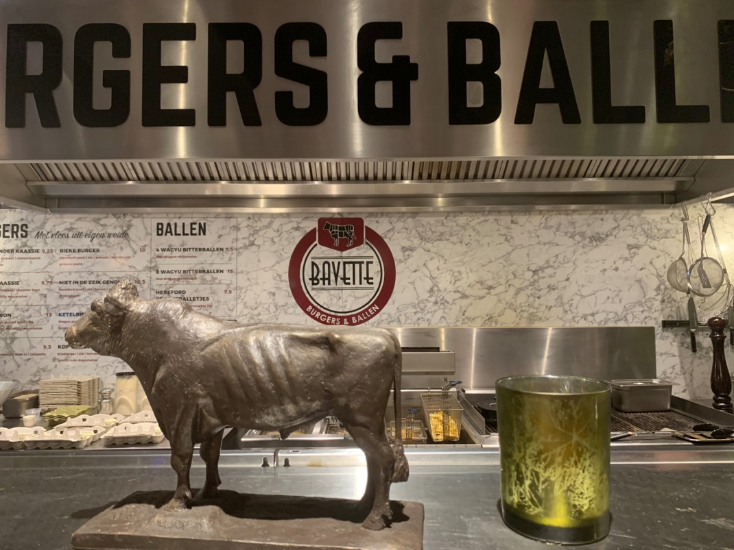 Bitterballen en burgers bij Bavette Boutique restaurant