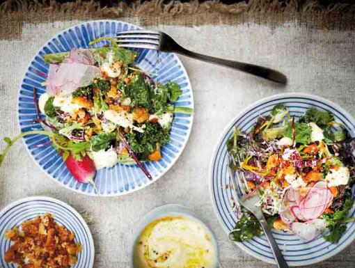 Caesarsalade met boerenkool uit het kookboek Vega BBQ