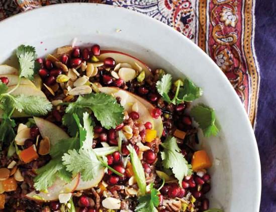 Rijstsalade met zwarte en rode rijst
