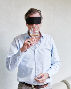 Cees van Casteren proeft blind