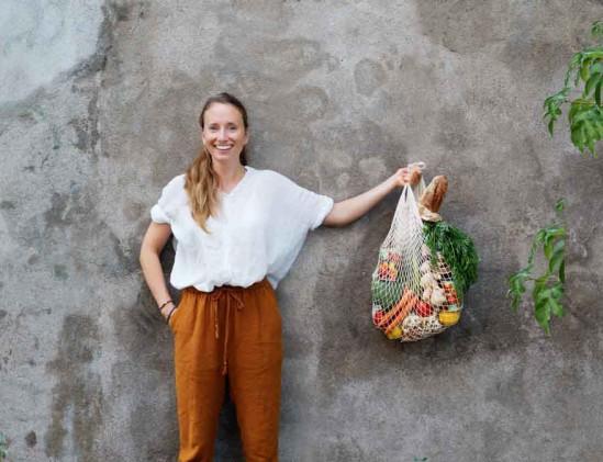 Portret schrijfster Hanna Olvenmark van het kookboek Vegetarisch voor een prikkie