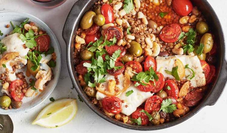 Heek met chorizo uit het kookboek Vers uit de oven van Ajda Mehmet