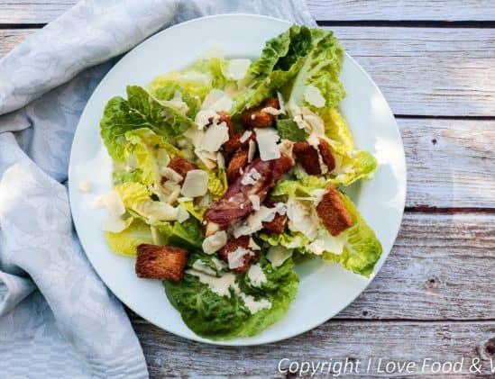 Caesar Salad met kip en pancetta