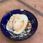 Oeuf dur met mayonaise met ingelegde citroen