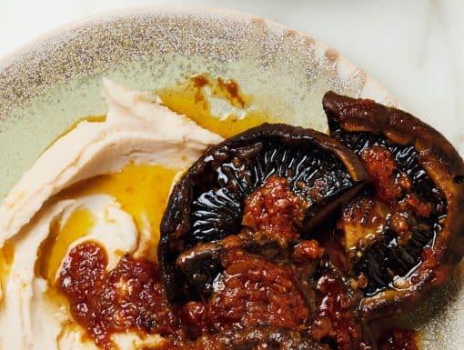 Portobello uit de oven, steaks met limabonenpuree uit het kookboek Flavour van Yotam Ottolenghi