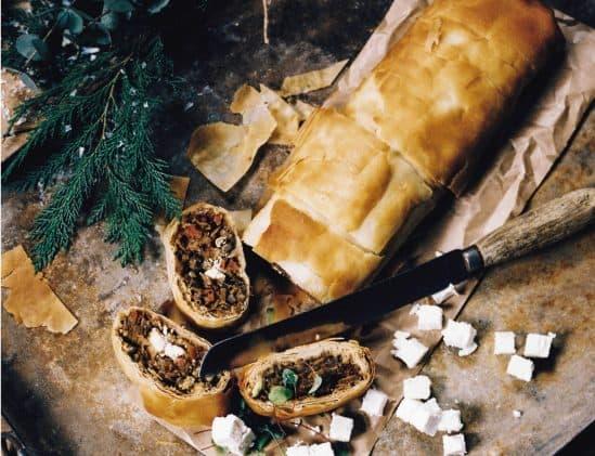 Hartige strudel met olijven en feta van de Holy Kauw Company; vegetarisch kerstmenu
