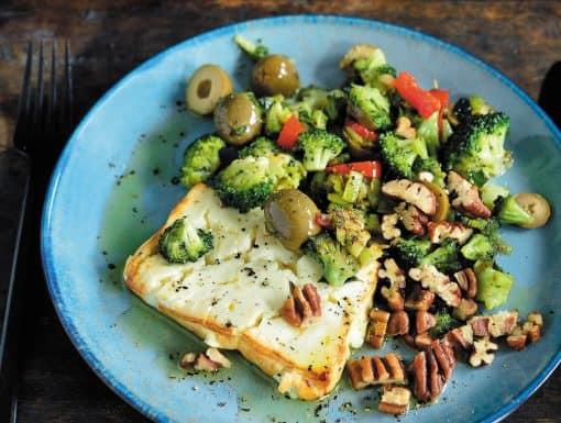 Warme feta met gebakken groenten en pecannoten uit Ketokuur van Pascale Naessens