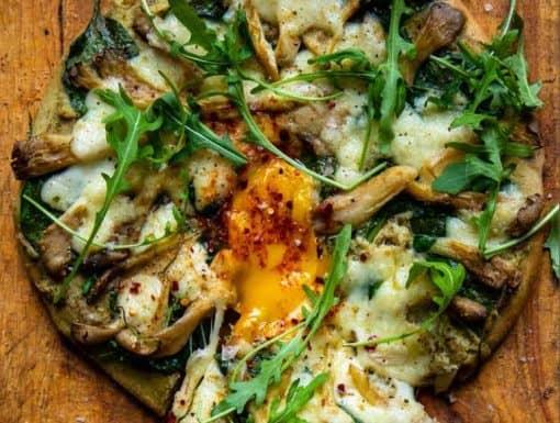 Pizza Bianco met artisjokken en oesterzwammen