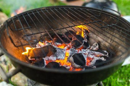 houtskool of briketten bbq