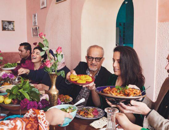Aan tafel met de Afghaanse familie